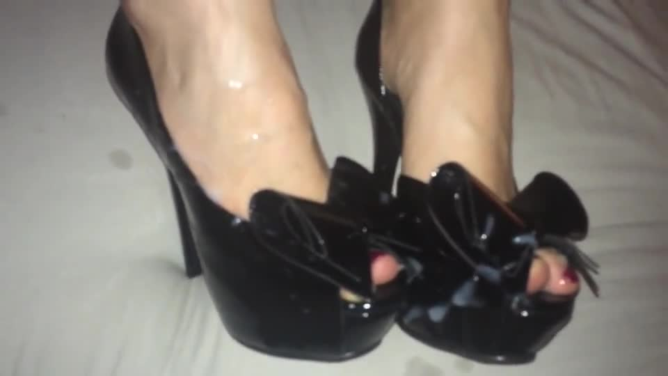Cum between foot and shoe