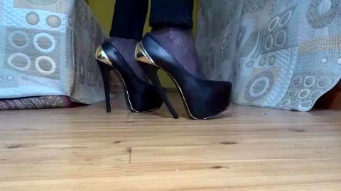Chunky leather stiletto pump amateur