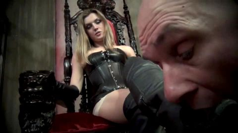 Footdomme uses her pathetic Footboy