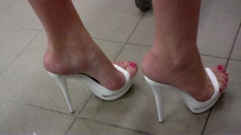 Shopping in white open toe mules