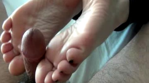 Amateur Footjob from nice soft feet