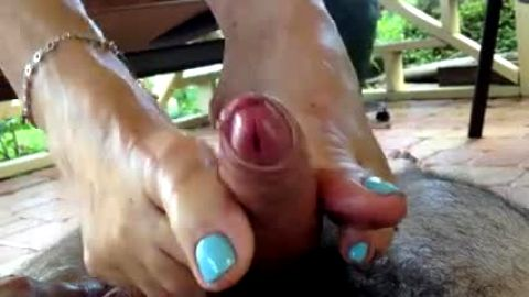 Lubricated Footjobs are the fucking BEST!