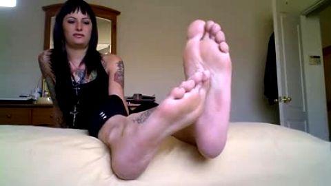 Worship her long sweaty soles