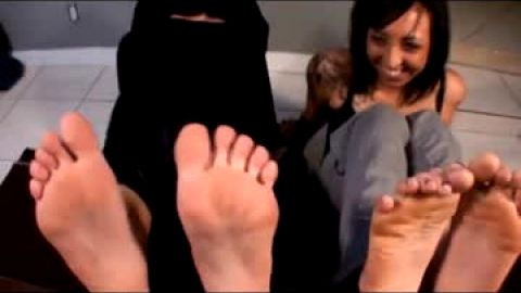 Footjob from woman in burka