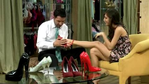 She gets fucked by the high heels salesman
