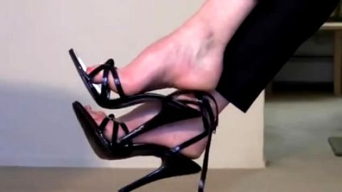 Untieing and dangling Ankle Straps from feet