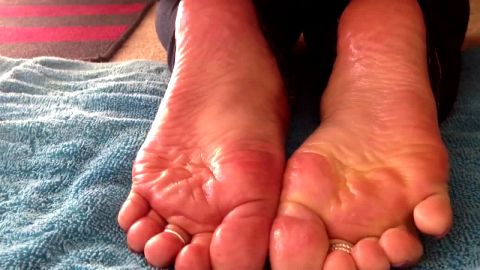 Oiled feet need to be rubbed