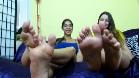 Young foot teasing JOI queens