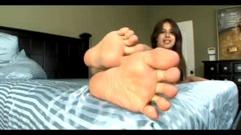 Simulated footjob from nude Latina with great ass