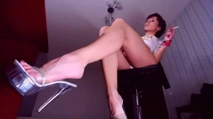 bridgit mendler hot sexy