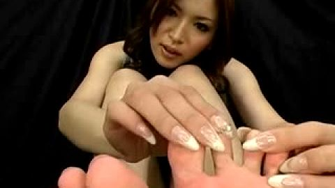 Soft toed Asian with long fingernails