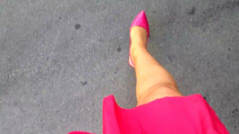 Hot pink pointed scarpins walking