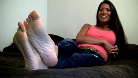Hot Asian in pink gets interviewed