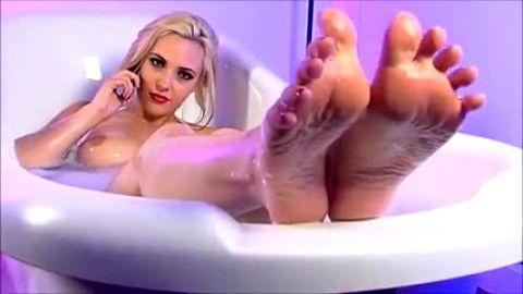 Toe wiggling in bubble bath