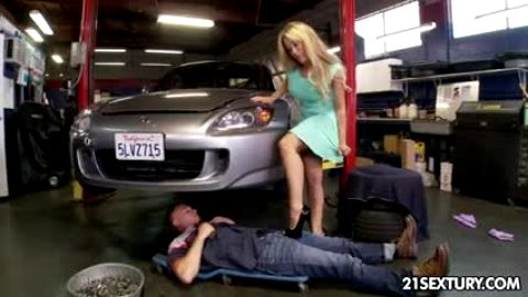 Mechanic fixes her car and gets footjob and more