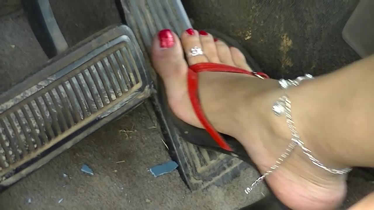 Ebony fetish foot gas pedal pumping can look