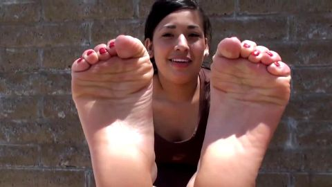Smoldering Hot Young Latina Takes Off Her Sportswear and Exposes Her Sexy Feet