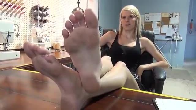 Sexy Blonde Feet Porn