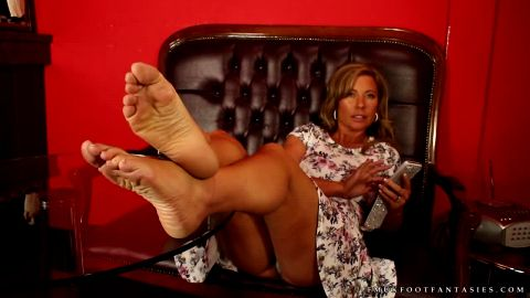 Wild Hot Foot Fetish Sexy MILF