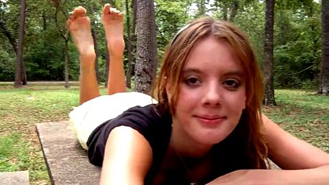 Teen toes stretching and squeezing