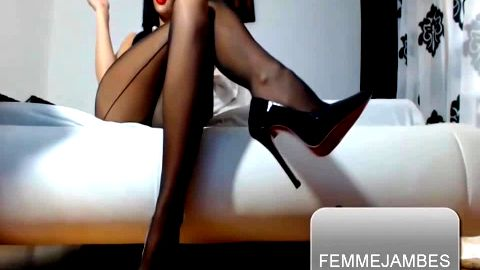 Femme Jambes in Cuban heels and stilettos