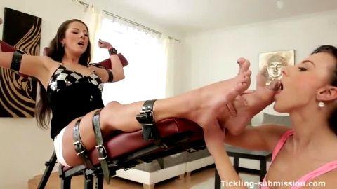 Milf Valentina bound foot worship