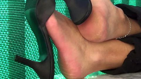My wife loves excite me with his feet shoes