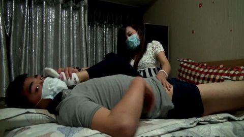 Chinese footjob in medical masks