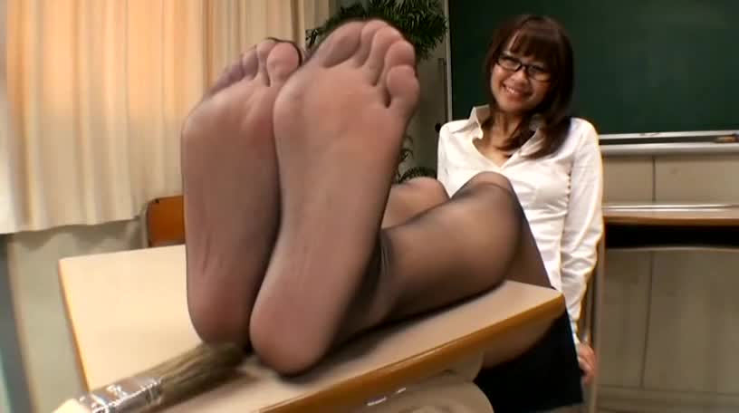 Milf Nylon Feet Worship