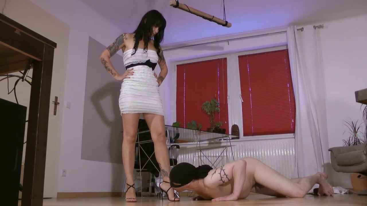 Минет мужу на коленях время оргазма