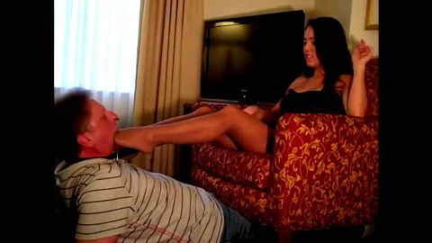 Facefucking an older man with her toes