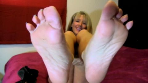JOI fans, American mature with long, thin soles