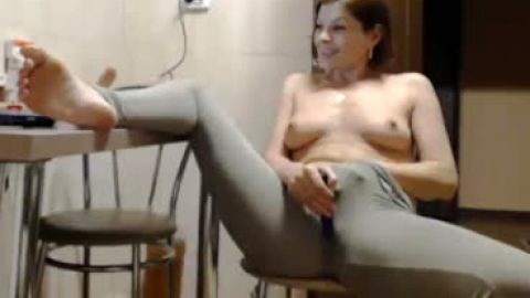 Hot MILF showing toes while masturbating