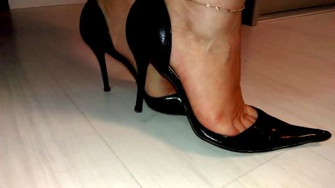 Sophisticated black shoes on gorgeous soft feet in hot video