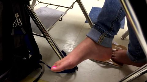 Hottie with amazing feet and toes got on the voyeur camera during classes