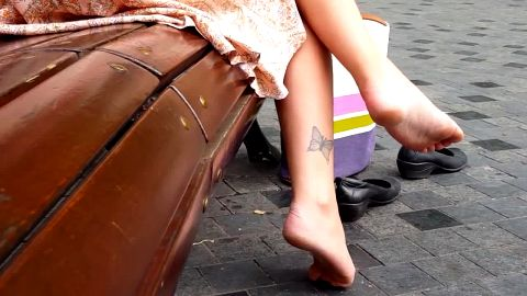 Great voyeur video with gorgeous naked soft feet in it