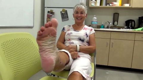 Sweet mature lady talks about her gorgeous feet and exposes them
