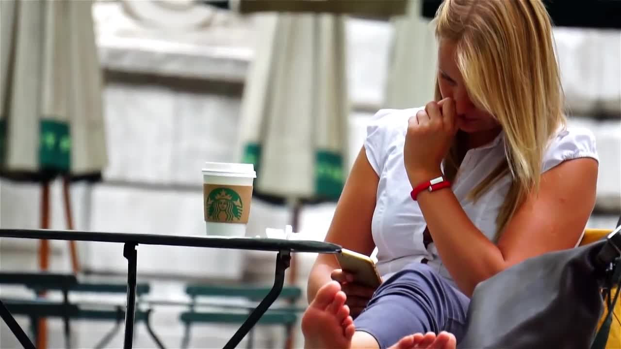 Delicious Voyeur Girl Is In Public Drinking Coffee And -1070