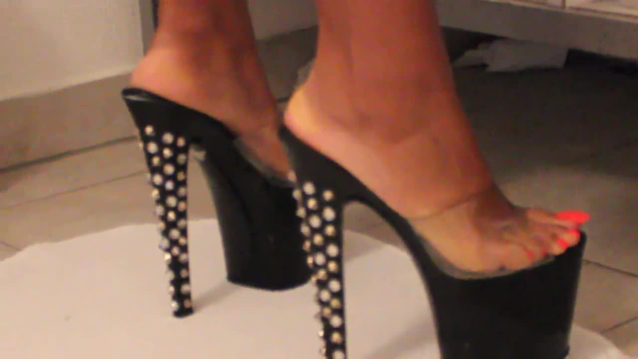 Cum on her feet with high heels tmb