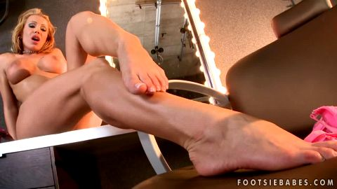 Bombshell Candy Strong worshipping her delicious feet and masturbating in front of the mirror