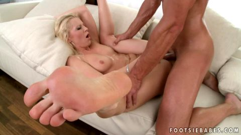 Dirty MILF Jasmin gets her feet covered in cum after intense sex action
