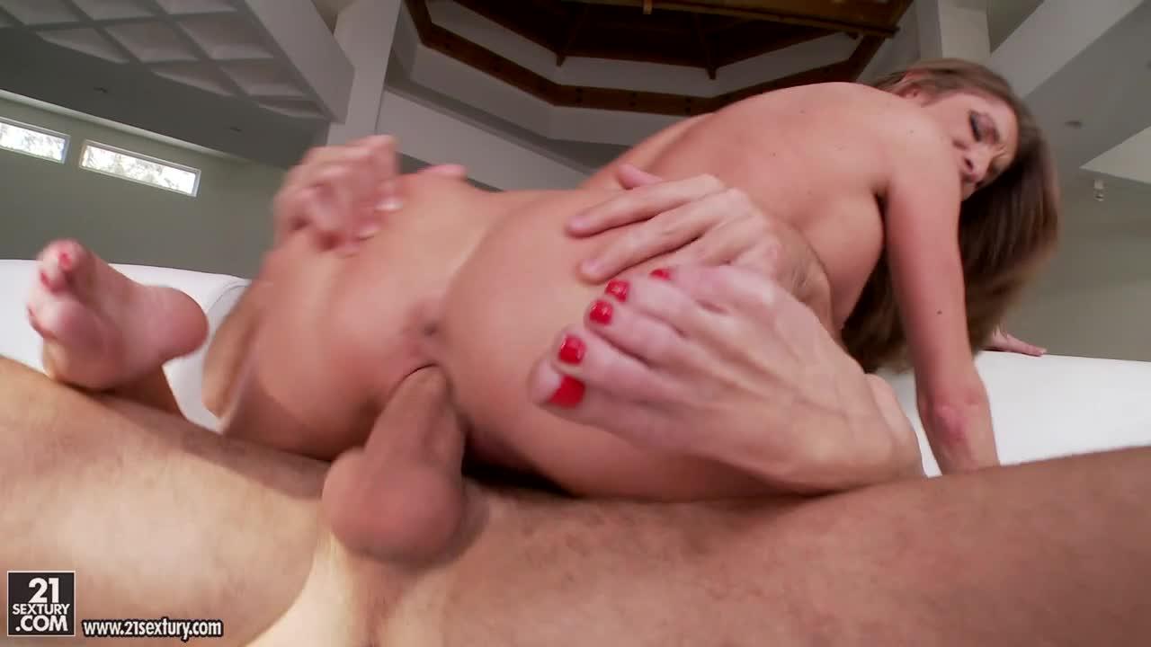 Saige feet silvia Silvia Saige's