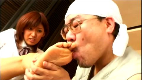Older man worships an attractive Asian babe's feet before he gets a nice handjob