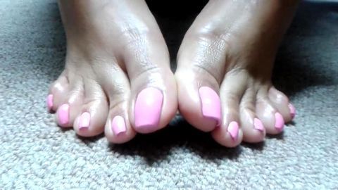 Super sexy pink toe nail polish on attractive amateur mature feet