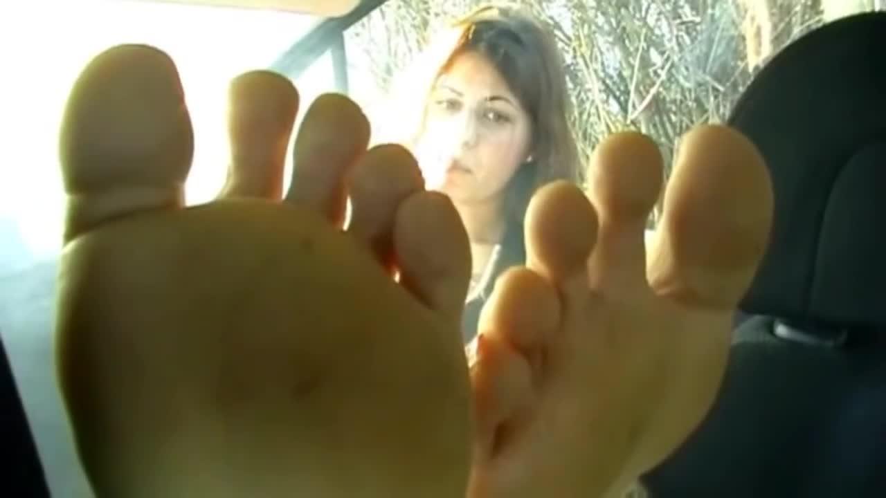 Italian Nylon Feet Worship