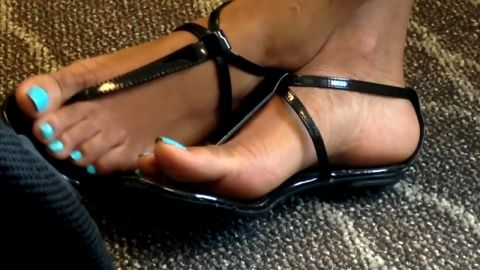 Superb voyeur vid with a gorgeous amateur girl wearing sexy sandals on her pretty feet