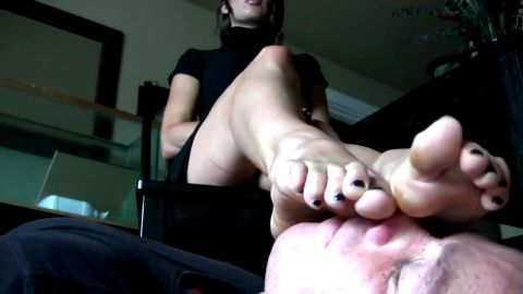 secretary shoe and foot worship