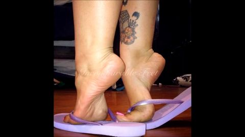 Hot amateur babe takes care of her foot fetish needs whenever she can