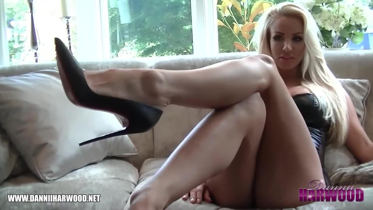 Tickling feet  Foot Fetish Videos  Feet9