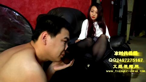 chinese mistress foot domination and nylon foot sniffing
